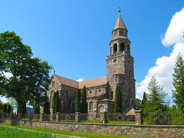 zahrada u kostela